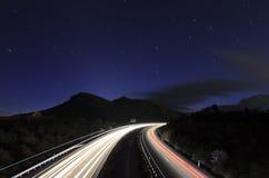 在星形之下的高速公路 免版税库存图片