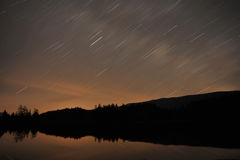 在星形线索的湖 免版税库存照片