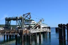 在星期五港口,华盛顿的渡轮 免版税库存照片