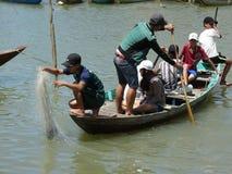在星期四好的妙语河,会安市,越南的小船 免版税库存图片
