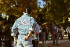 在星期天,代代木跳舞在公园的` s rockabillies 库存图片