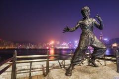 在星香港大道的李小龙雕象  免版税图库摄影