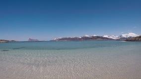 在春天的庄严长的白色海滩在夏天海岛上在北挪威 股票录像