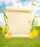 在复活节背景的空白的纸卷 免版税库存照片
