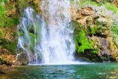 在春季的瀑布 库存照片