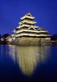 在春季的马塔莫罗斯城堡,长野,日本 库存照片