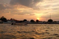 在昭拍耶河的日落 库存照片