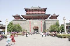 在昭明Tai后的北部街道在襄阳市(湖北,中国) 免版税库存图片
