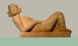 在显示的一个玛雅雕象在Gran Museo de Mundo Maya在梅里达墨西哥 库存照片