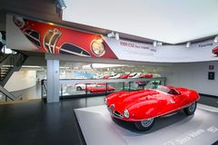 在显示的一个雄伟阿尔法・罗密欧1900 C52迪斯科Volante模型在历史博物馆阿尔法・罗密欧 库存照片