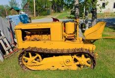 在显示的一台古色古香的推土机在一个室外博物馆在北加拿大 免版税库存图片