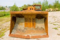 在显示的一台老推土机在萨斯喀彻温省 免版税库存图片