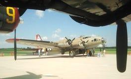 在显示的一架WWII B-17轰炸机 库存照片