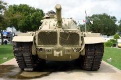 在显示的一辆老,耐用坦克 库存图片