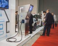 在显示的充电站在Solarexpo 2014年在米兰,意大利 免版税库存图片
