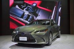 在显示的凌志ES 300h优质汽车在11月28日第35泰国国际马达商展 库存图片