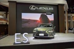 在显示的凌志ES 300h优质汽车在11月28日第35泰国国际马达商展 免版税库存图片