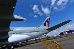 在显示的卡塔尔航空空中客车A380超级庞然大物在新加坡Airshow 免版税图库摄影