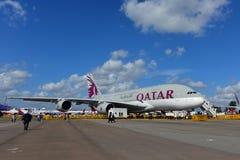 在显示的卡塔尔航空A380超级庞然大物在新加坡Airshow 免版税图库摄影