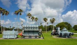在显示的古色古香的水管理机械在佛罗里达 免版税库存照片