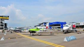 在显示的各种各样的赛斯纳航空器在新加坡Airshow 图库摄影