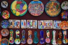 在显示的地方纪念品在海滩市场上在海滨del卡门,墨西哥 库存图片