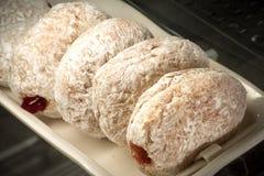 在显示的多福饼在咖啡店 库存图片