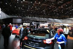 在显示的新的2018辆车在北美国际汽车展 库存照片