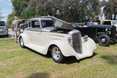 在显示的普利茅斯小轿车1934年 免版税库存图片