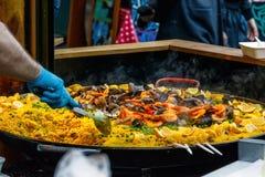 在显示的海鲜肉菜饭 图库摄影