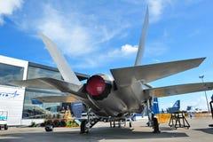 在显示的洛克西德・马丁F-35闪电II秘密行动多角色联合罢工战斗机在新加坡Airshow 2012年 库存图片