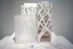 在显示的建筑纸模型 免版税库存图片