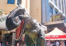 在显示的Animatronic恐龙在阿德莱德,南澳大利亚 图库摄影
