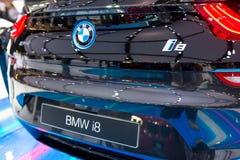 在显示的BMW i8杂种生产汽车 库存图片