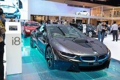 在显示的BMW i8杂种生产汽车 免版税图库摄影