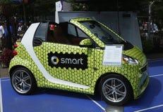 在显示的Brabus巧妙的汽车在美国公开赛期间的比利・简・金国家网球中心2013年 免版税库存照片