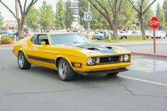 在显示的Ford Mustang马赫1经典汽车 免版税库存照片