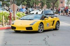 在显示的Lamborghini Gallardo敞篷车汽车 库存照片