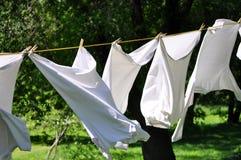 在晒衣绳的洗衣店 免版税图库摄影