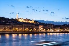 在晚上在布达佩斯匈牙利 图库摄影