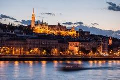 在晚上在布达佩斯匈牙利 库存照片