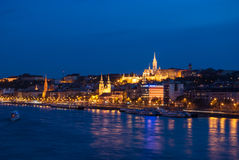 在晚上在布达佩斯匈牙利 免版税库存照片