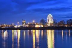 在晚上,德累斯顿弗累斯大转轮狂欢节 库存照片