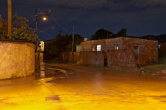 洪水在晚上 库存图片