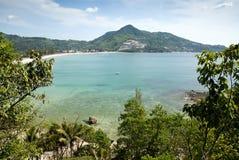 在普吉岛泰国附近的海滩 免版税库存照片