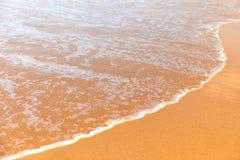 在普吉岛海岛上的Karon海滩 免版税库存照片