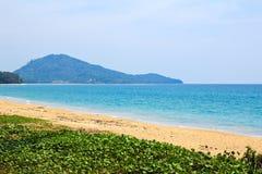 在普吉岛海岛的Mai Khao海滩 免版税库存照片