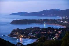 在普吉岛海岛西部海岸的日落  免版税库存照片