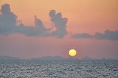 在普吉岛的日落 库存图片