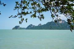 在普吉岛附近的海岛 免版税库存照片